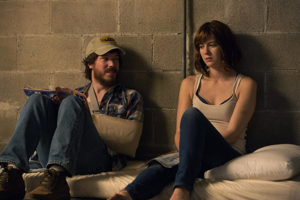 john-gallagher-jr-and-mary-elizabeth-winstead-in-10-cloverfield-lane-2016
