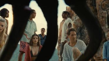 «Old» de M Night Shyamalan avec Gaël Garcia Bernal , Vicky Krieps , Rufus Sewell , Thomasin McKenzie….